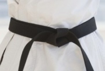 Пенсионерка получила черный пояс по джиу-джитсу в 77