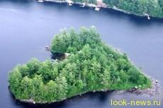 В Канаде продают «черничный» остров-сердце
