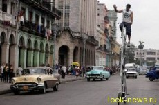 По Лос-Анджелесу разъезжает чудак на 4-метровом велосипеде