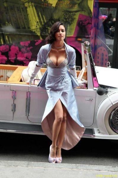 Бразильская модель Адриана Лима демонстрирует лифчик за 2 000 000$