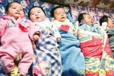У супружеской пары в Китае родились сразу восемь детей