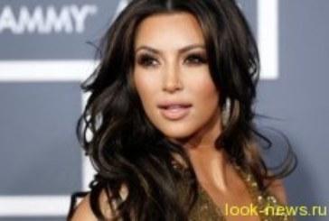 Все напоказ: декольте Ким Кардашьян вызвало пробку в Майами
