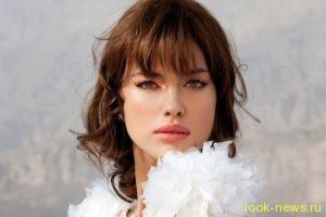 Ирина Шейк на отдыхе в Турции блеснула обнаженной грудью