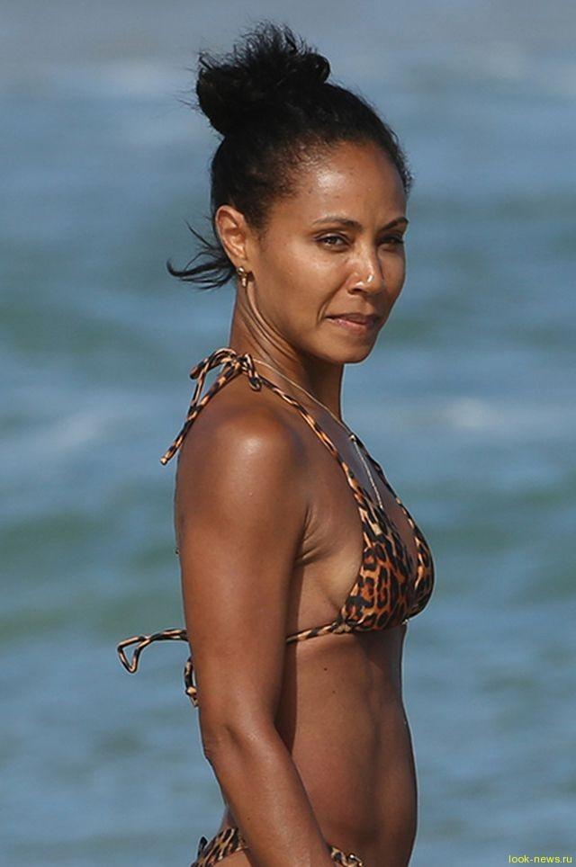 """Лето на """"Сплетнике"""": Джада Пинкетт-Смит отдыхает на Гавайях"""