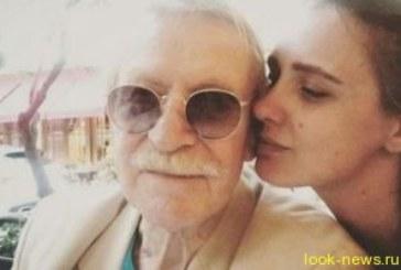 Молодая жена 86-летнего актера Краско рассказала об интимной жизни