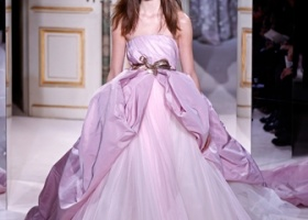 Парад вечерних платьев из Парижа