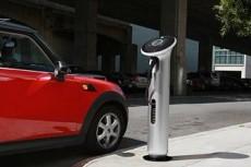 """GE показал новые """"заправки"""" для электромобилей"""