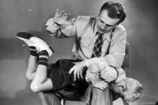 В Польше запретили шлепать детей
