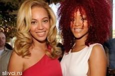 Grammys - 2011: Дикие волосы Rihanna и скромница Beyonce