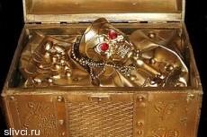 Французы нашли в своем доме горшок золота