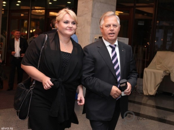 Василий Симоненко долго ухаживал за радиожурналисткой Оксаной Ващенко