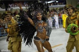 В Рио-де-Жанейро ежегодно проходит карнавальная неделя