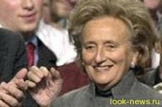 Супруга экс-президента Франции попала в ДТП