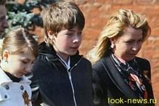 Сын Медведева решил учиться в МГИМО