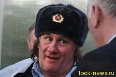 Жерар Депардье прибыл в Чечню в шапке-ушанке
