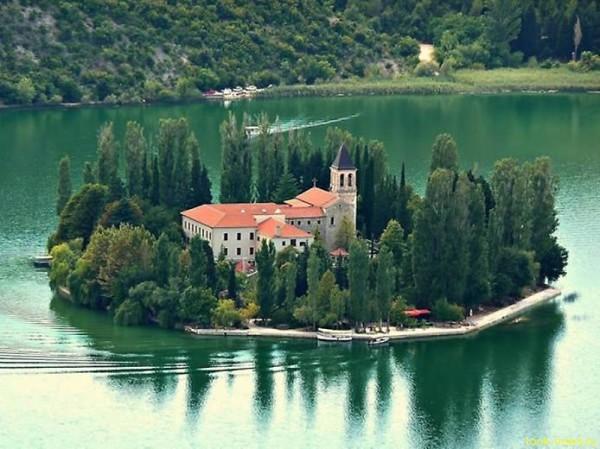Францисканский монастырь на о.Висовац, Хорватия