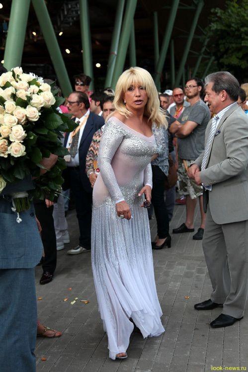 Ирина Аллегрова пришла на закрытие «Новой волны» без нижнего белья
