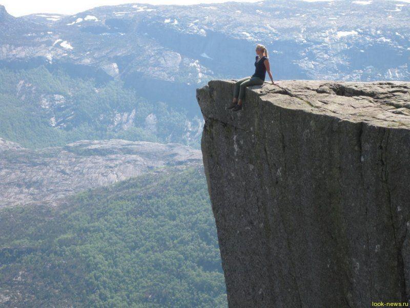 Прекестулен - скала для самых смелых