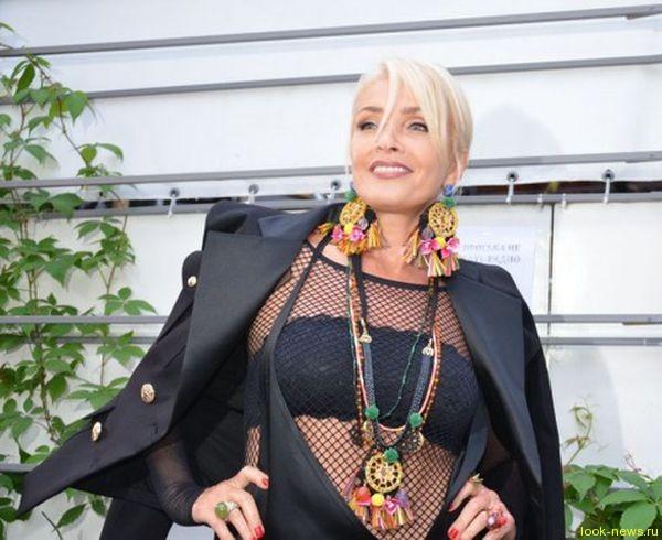 59-летняя Лайма Вайкуле вышла на публику в прозрачном платье