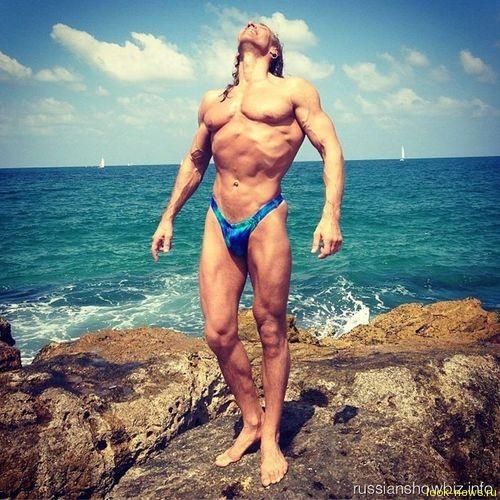 Тарзан показал идеальное тело
