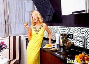 Ксения Собчак учится готовить Виторгану сырники