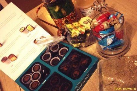 Водонаева на ночь объедается конфетами