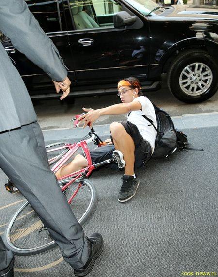 На Николь Кидман наехал велосипедист