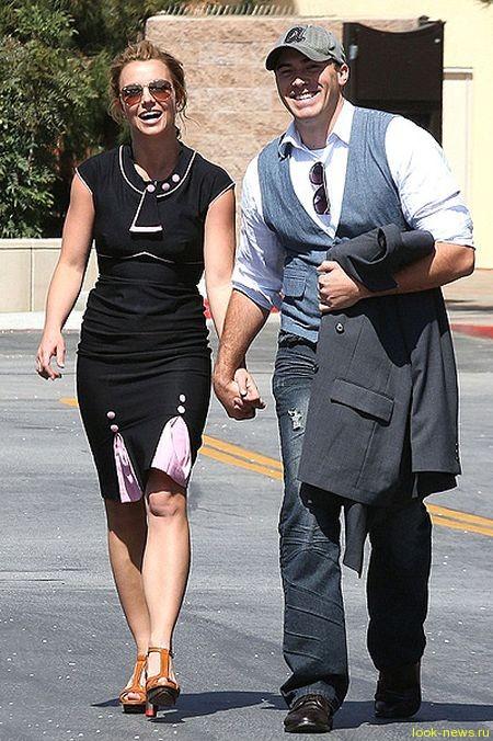 Бритни и ее новый возлюбленный Дэвид Лукадо