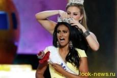 Самой красивой жительницей США объявлена 24-летняя Нина Давулури