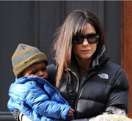 Сандра Буллок готовится к усыновлению второго ребёнка