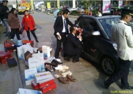 Китаянка купила 100 пар обуви после ссоры с мужем