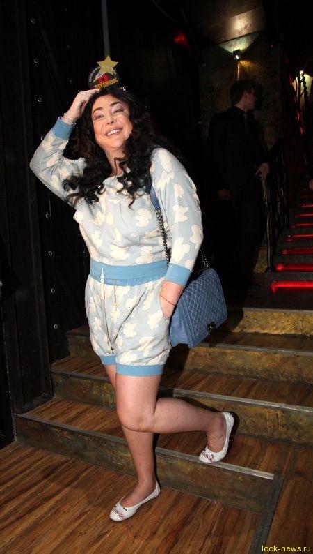 Лолита отметит 50-летие пижамной вечеринкой