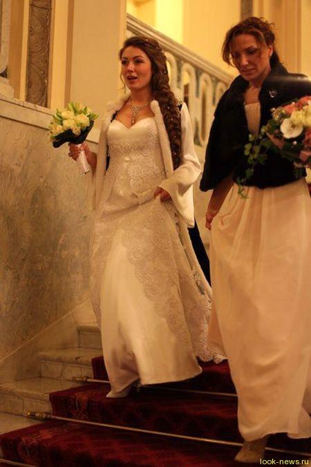 Сергей Миронов женился в четвёртый раз на 29-летней телеведущей