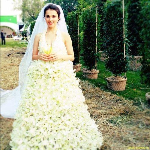 Сати Казанова предстала в образе невесты