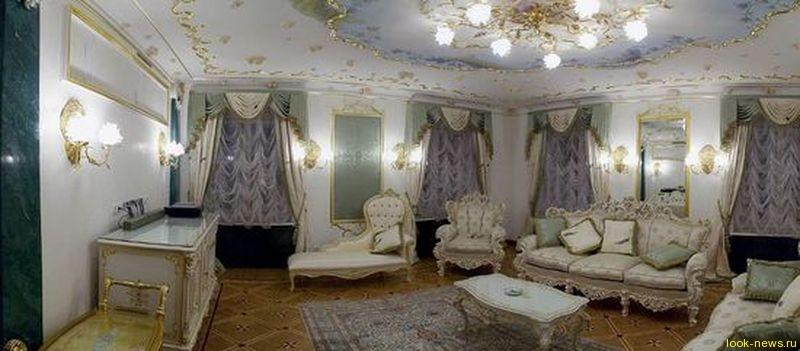 Анастасия Волочкова продает квартиру