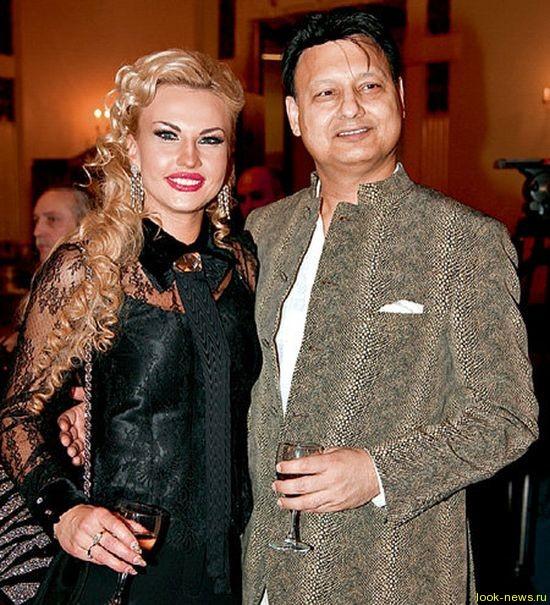 Камалия с супругом снялись в фотосессии для британского глянца