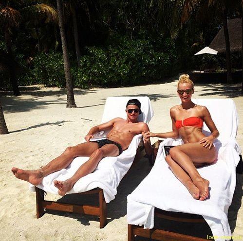 Ольга Бузова с супругом нежатся на Мальдивах