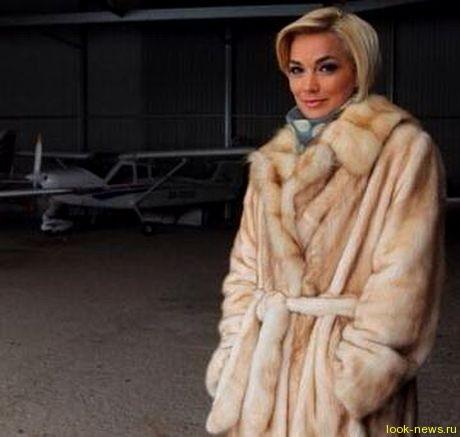 Стас Костюшко  подарит  жене  самолет