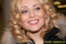 44-летняя Анжелика Варум вышла на сцену в трусах