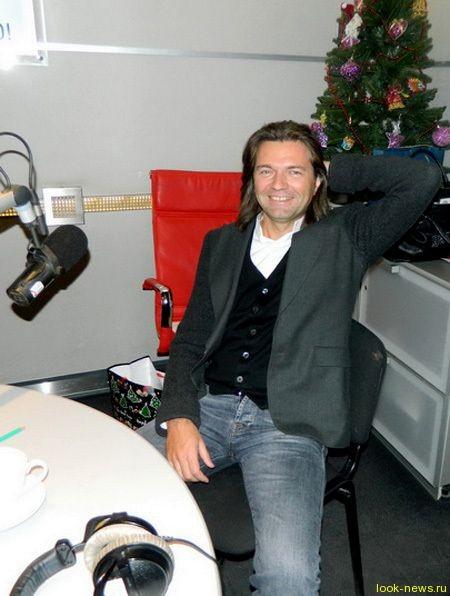 Дмитрий Маликов получил в подарок на 44-летие шапку-ушанку