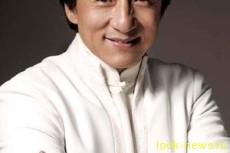 Известный актер Джеки Чан, выступает в защиту носорогов