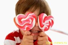 Даже сытые дети не отказываются от сладостей