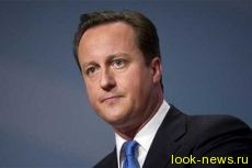 Кэмерон вступился за публичное кормление грудью