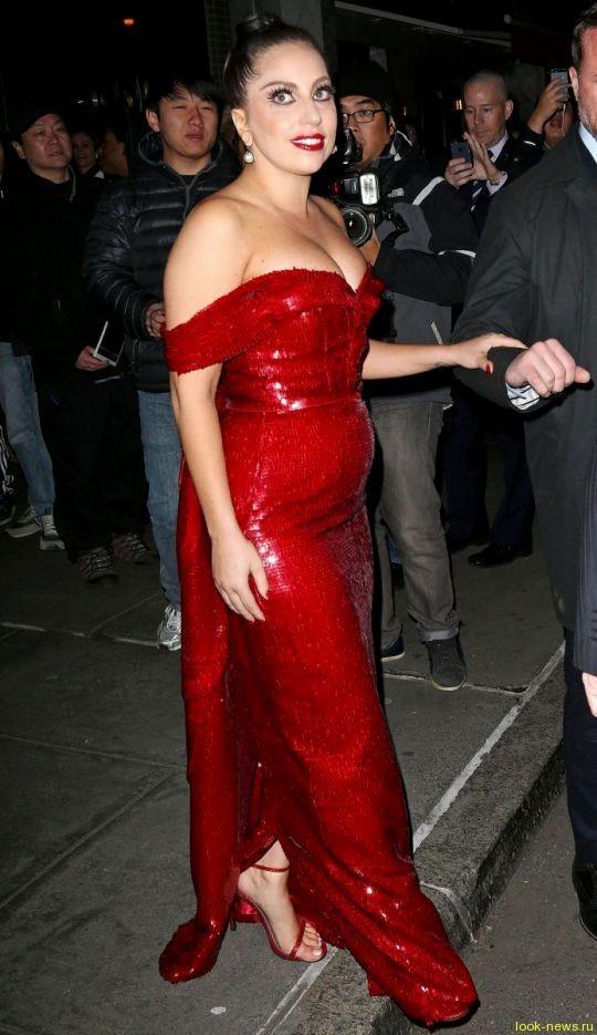 Леди Гага в интересном положении?