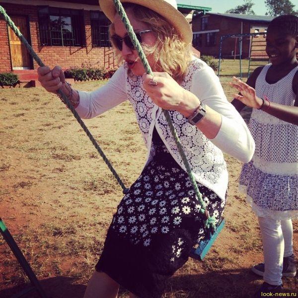 Мадонна открыла детскую больницу в Малави