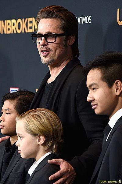 Дочь Брэда Питта и Анджелины Джоли хочет сменить пол