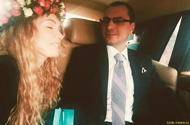 Игорь Вдовин женился на певице Варваре