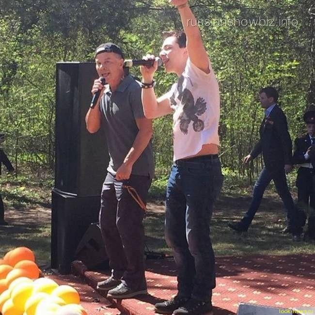 Олег Газманов посадил 70 «деревьев Победы»