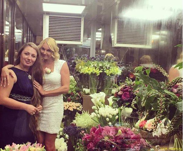 Зачем Анастасия Волочкова залезла в холодильник?