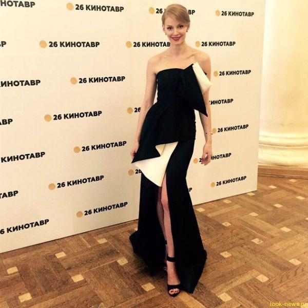 Жених Светланы Ходченковой ругает ее за стиль